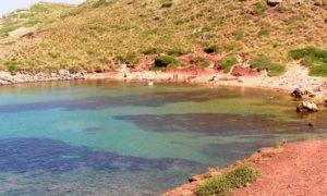Minorca, 6 spiagge e 2 fari in un paradiso naturale