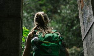 Cosa non dovrebbe mai mancare nello zaino di un escursionista
