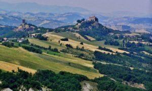 Sulle colline di Matilde di Canossa tra castelli e villaggi medievali