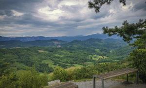 Sul Carso sloveno: itinerario tra grotte, villaggi, cavalli e panorami